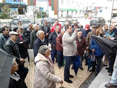 TRABALHADORES EXIGEM PAGAMENTO DA DÍVIDA - METALÚRGICA MEVIL